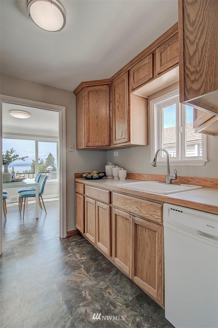 Sold Property | 6618 39th Avenue SW Seattle, WA 98136 12