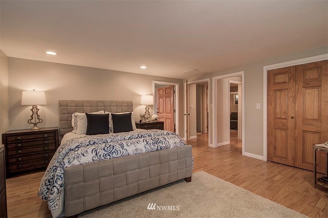Sold Property | 6618 39th Avenue SW Seattle, WA 98136 18