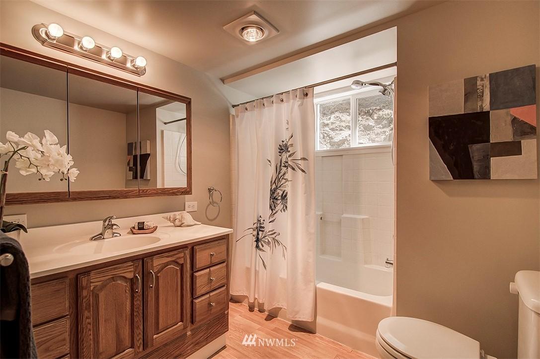 Sold Property | 6618 39th Avenue SW Seattle, WA 98136 20