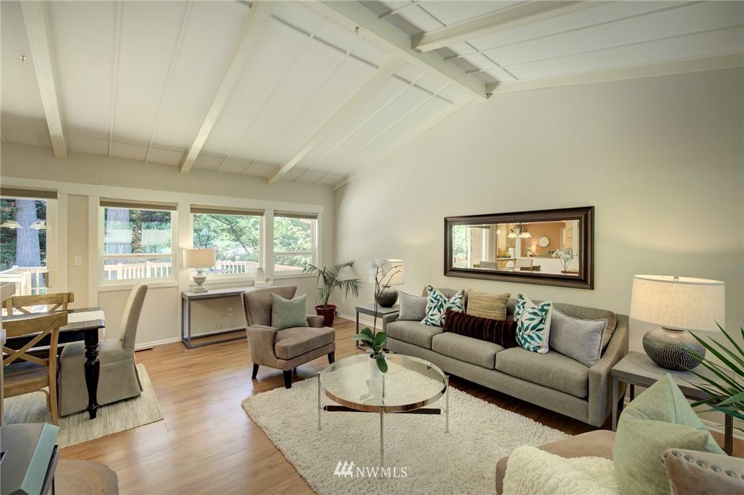 Sold Property | 10015 48th Avenue NE Seattle, WA 98125 3