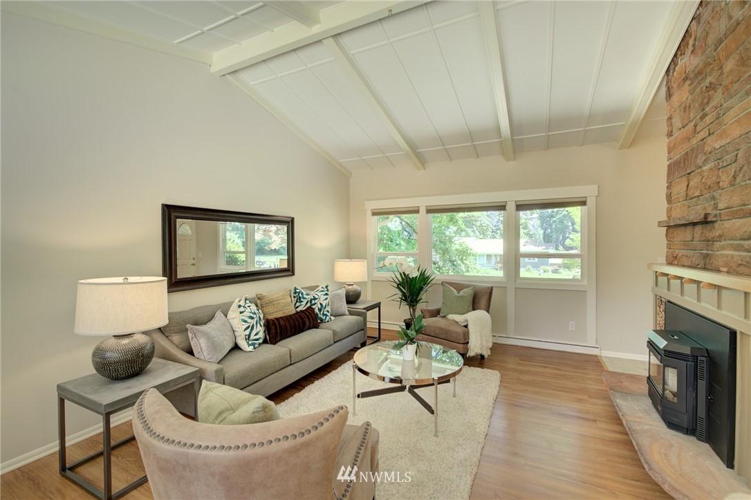 Sold Property | 10015 48th Avenue NE Seattle, WA 98125 4