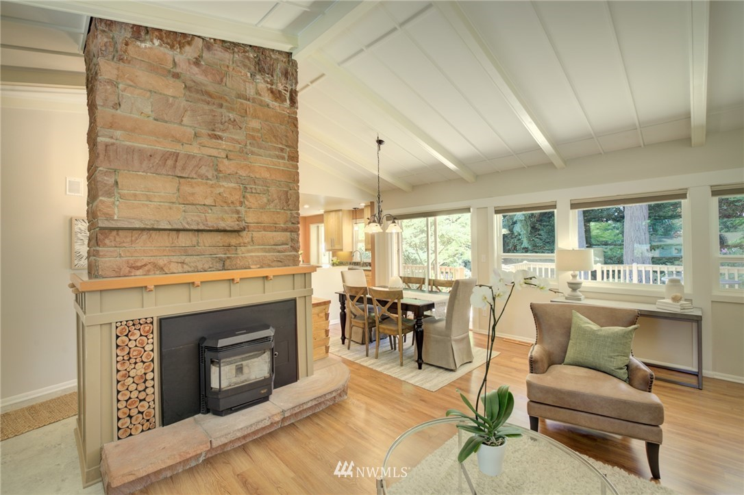Sold Property | 10015 48th Avenue NE Seattle, WA 98125 5