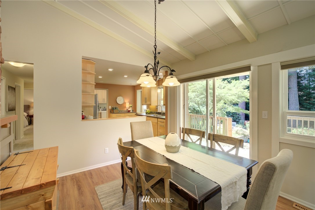 Sold Property | 10015 48th Avenue NE Seattle, WA 98125 7