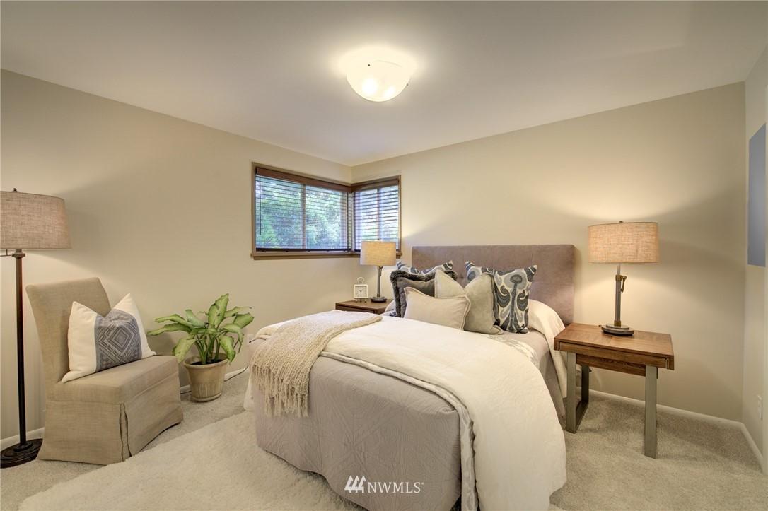 Sold Property | 10015 48th Avenue NE Seattle, WA 98125 12
