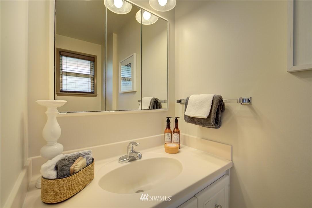 Sold Property | 10015 48th Avenue NE Seattle, WA 98125 14