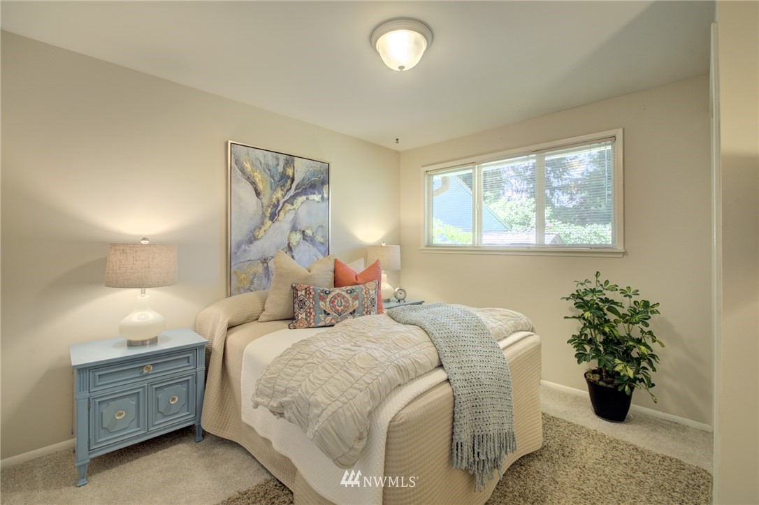 Sold Property | 10015 48th Avenue NE Seattle, WA 98125 15