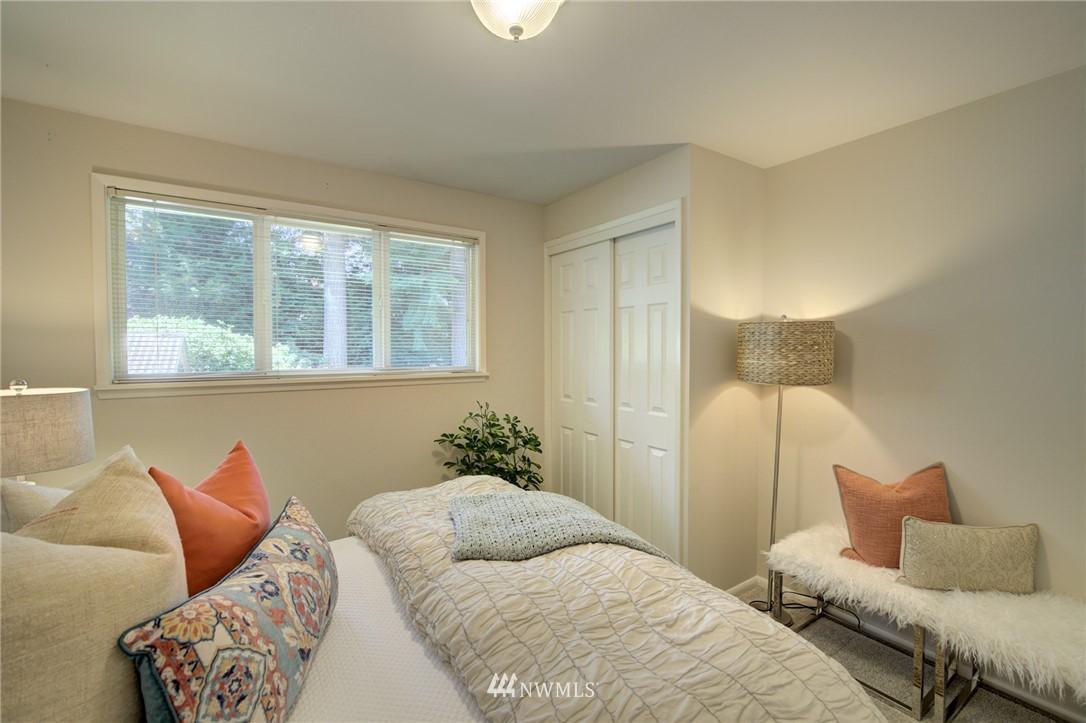 Sold Property | 10015 48th Avenue NE Seattle, WA 98125 16
