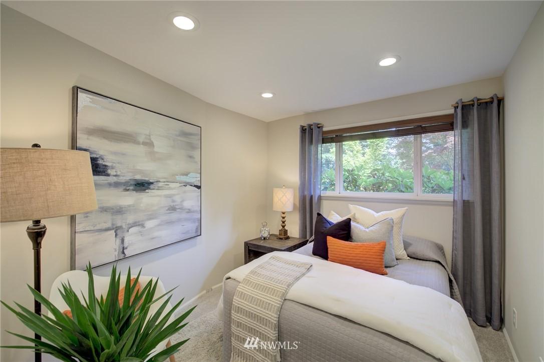 Sold Property | 10015 48th Avenue NE Seattle, WA 98125 17