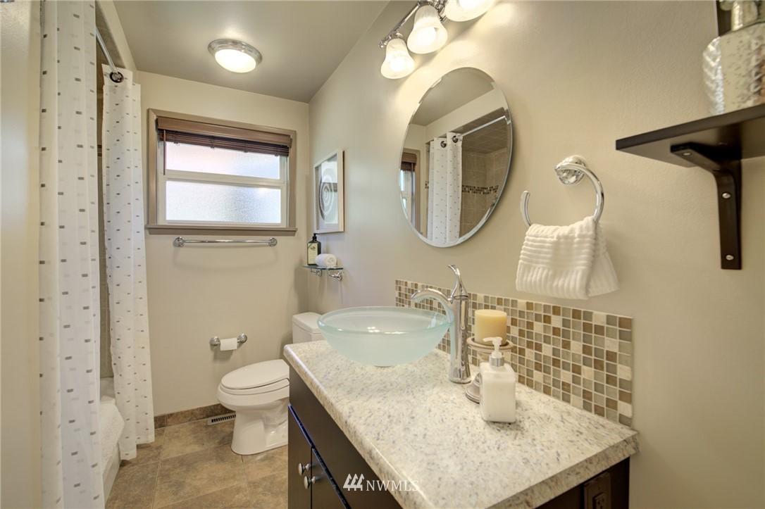 Sold Property | 10015 48th Avenue NE Seattle, WA 98125 19