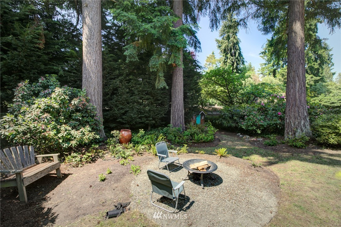 Sold Property | 10015 48th Avenue NE Seattle, WA 98125 20