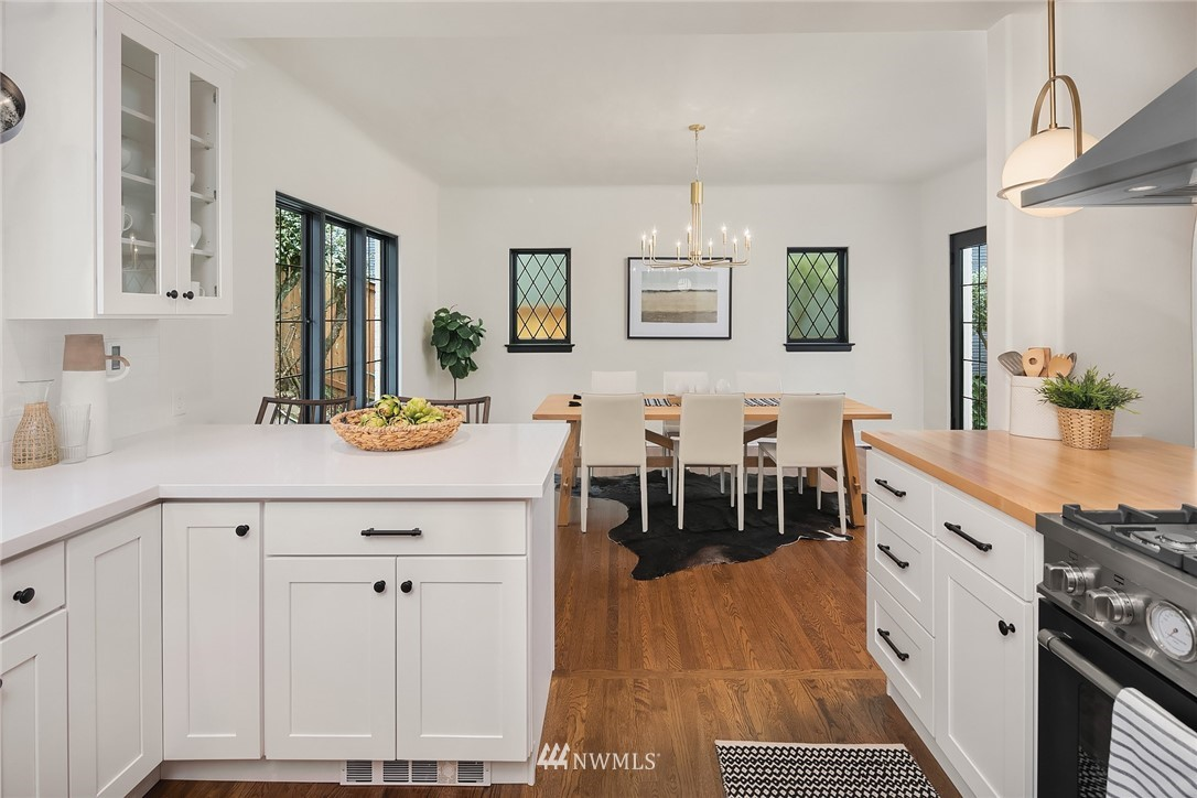 Sold Property   2500 Lake Park Drive S Seattle, WA 98144 11