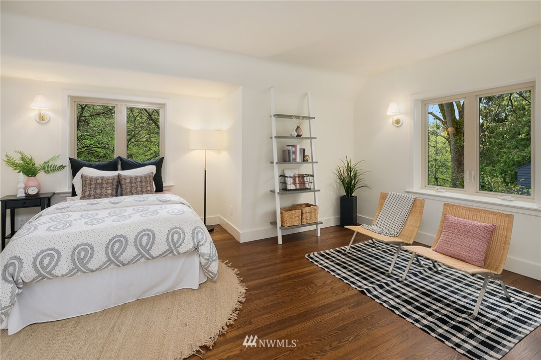 Sold Property   2500 Lake Park Drive S Seattle, WA 98144 18