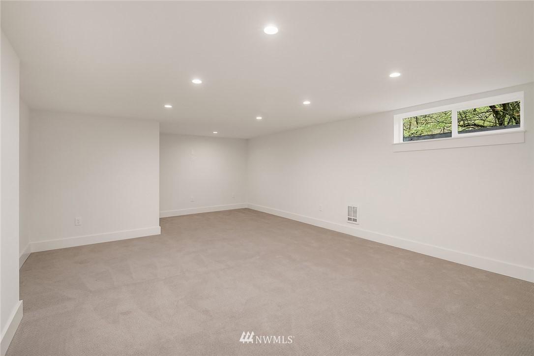Sold Property   2500 Lake Park Drive S Seattle, WA 98144 20