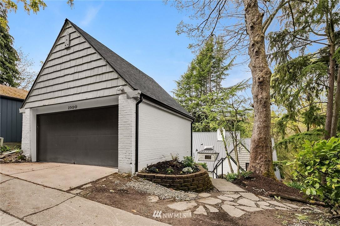 Sold Property   2500 Lake Park Drive S Seattle, WA 98144 23