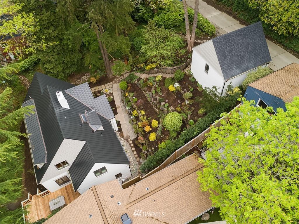 Sold Property   2500 Lake Park Drive S Seattle, WA 98144 24
