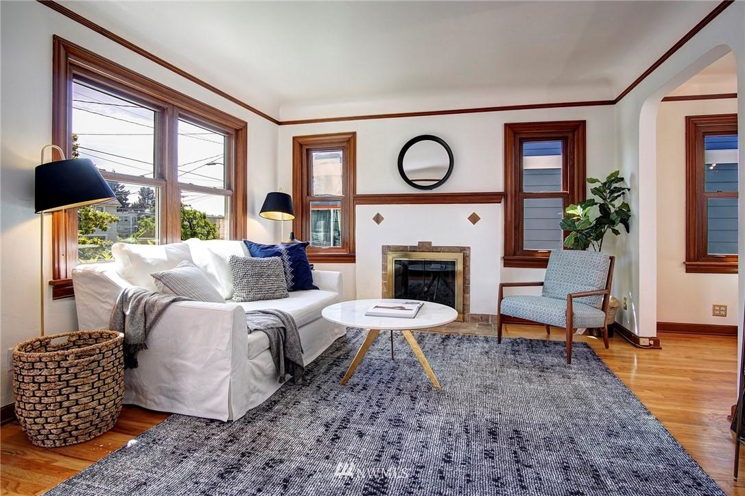 Sold Property | 4017 Midvale Avenue N Seattle, WA 98103 1
