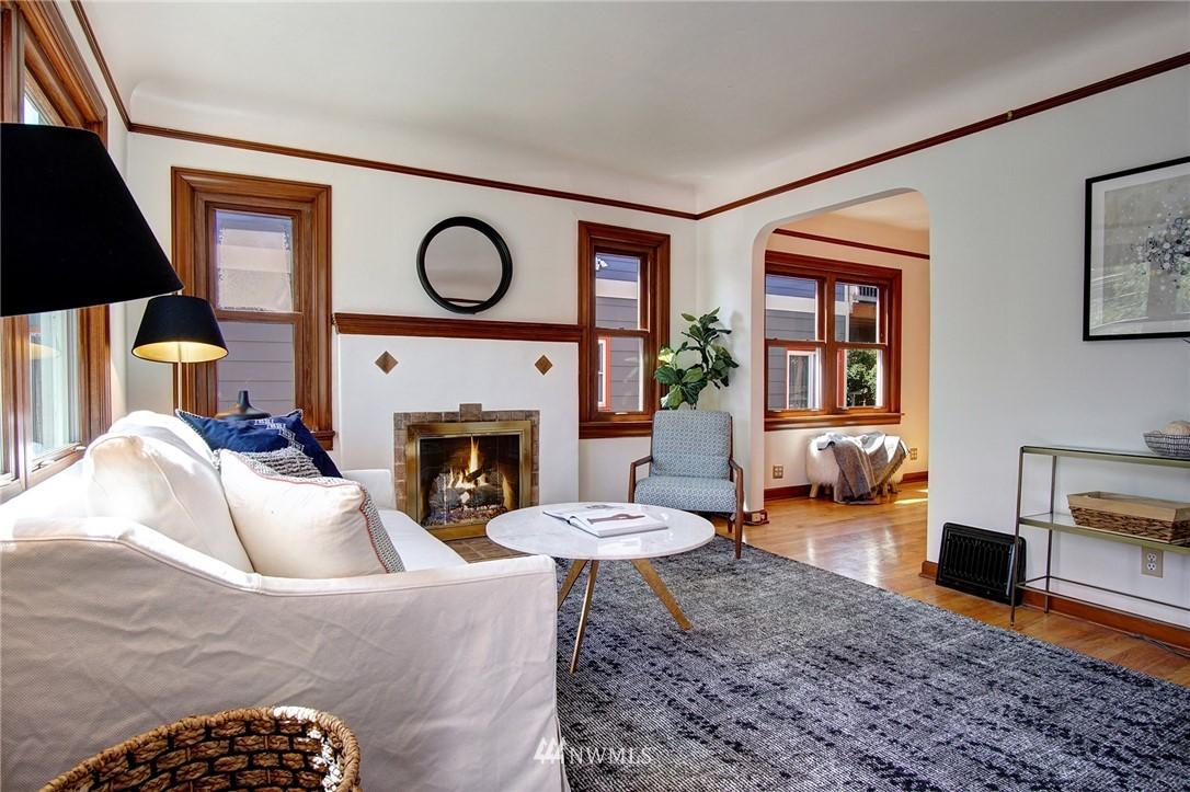 Sold Property | 4017 Midvale Avenue N Seattle, WA 98103 2