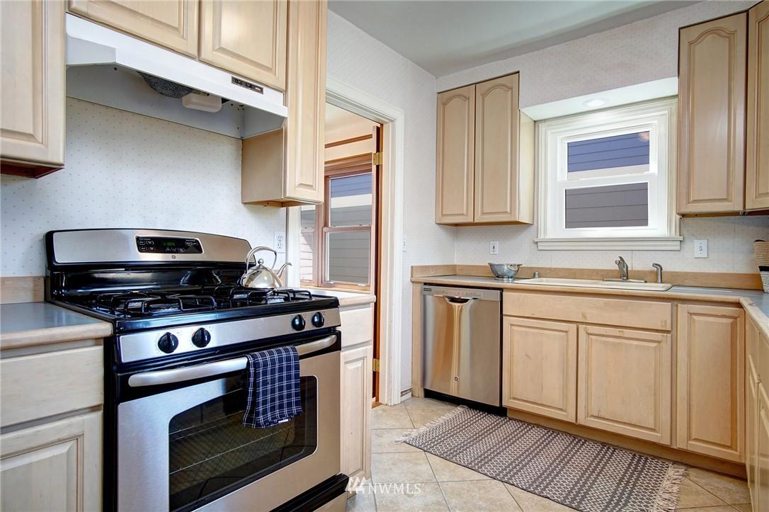 Sold Property | 4017 Midvale Avenue N Seattle, WA 98103 5