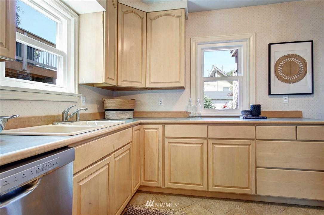 Sold Property | 4017 Midvale Avenue N Seattle, WA 98103 6