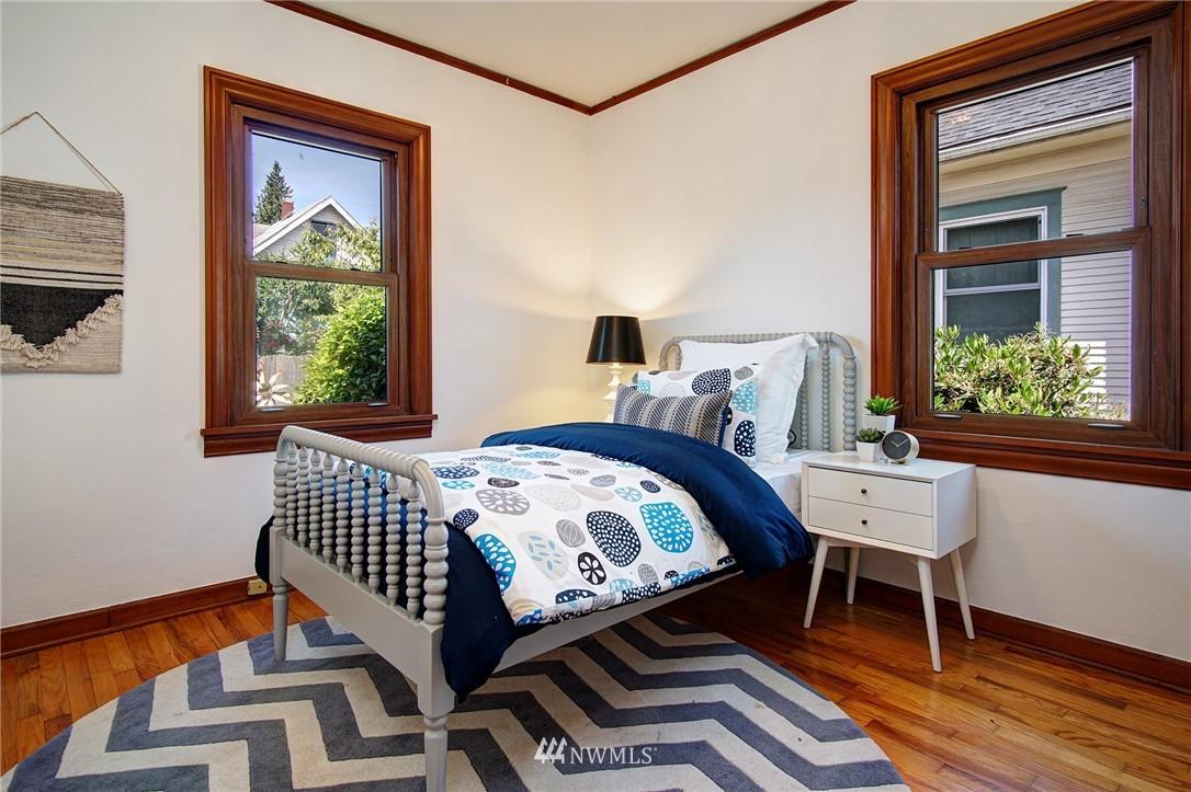 Sold Property | 4017 Midvale Avenue N Seattle, WA 98103 7