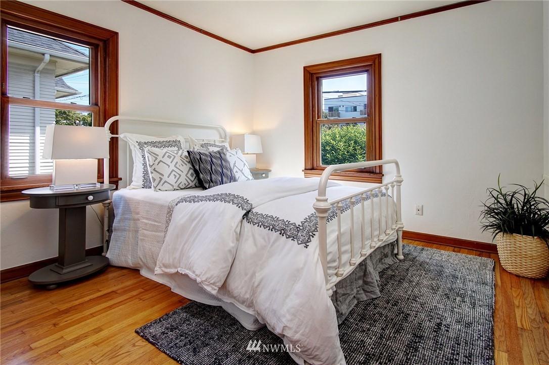 Sold Property | 4017 Midvale Avenue N Seattle, WA 98103 8