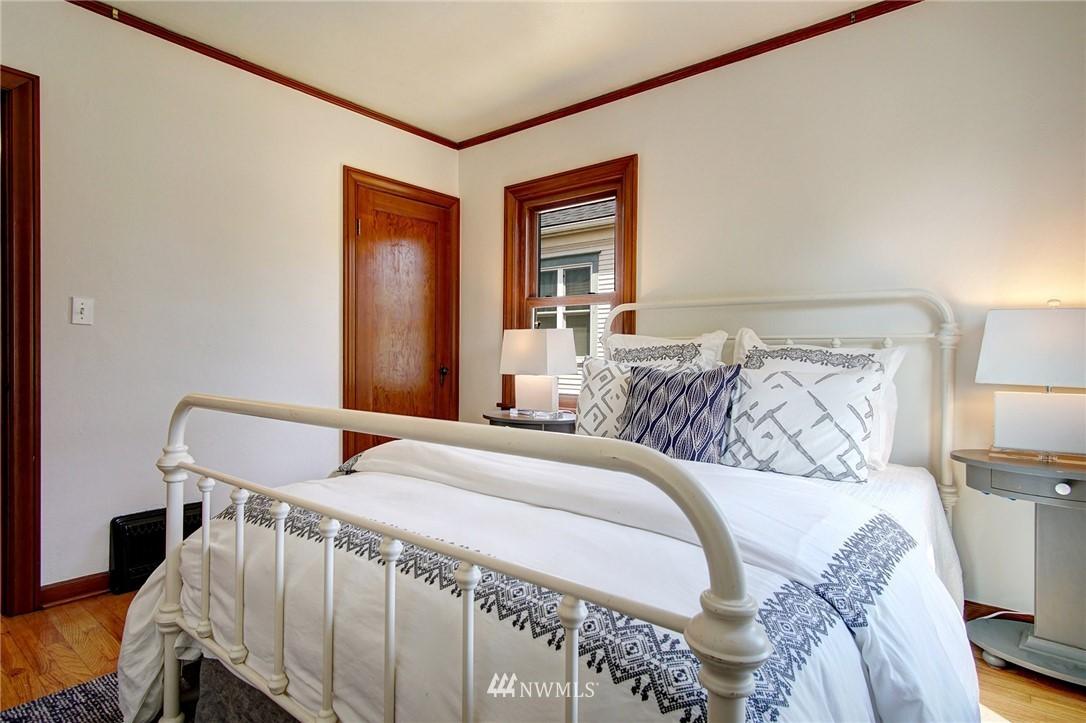 Sold Property | 4017 Midvale Avenue N Seattle, WA 98103 9