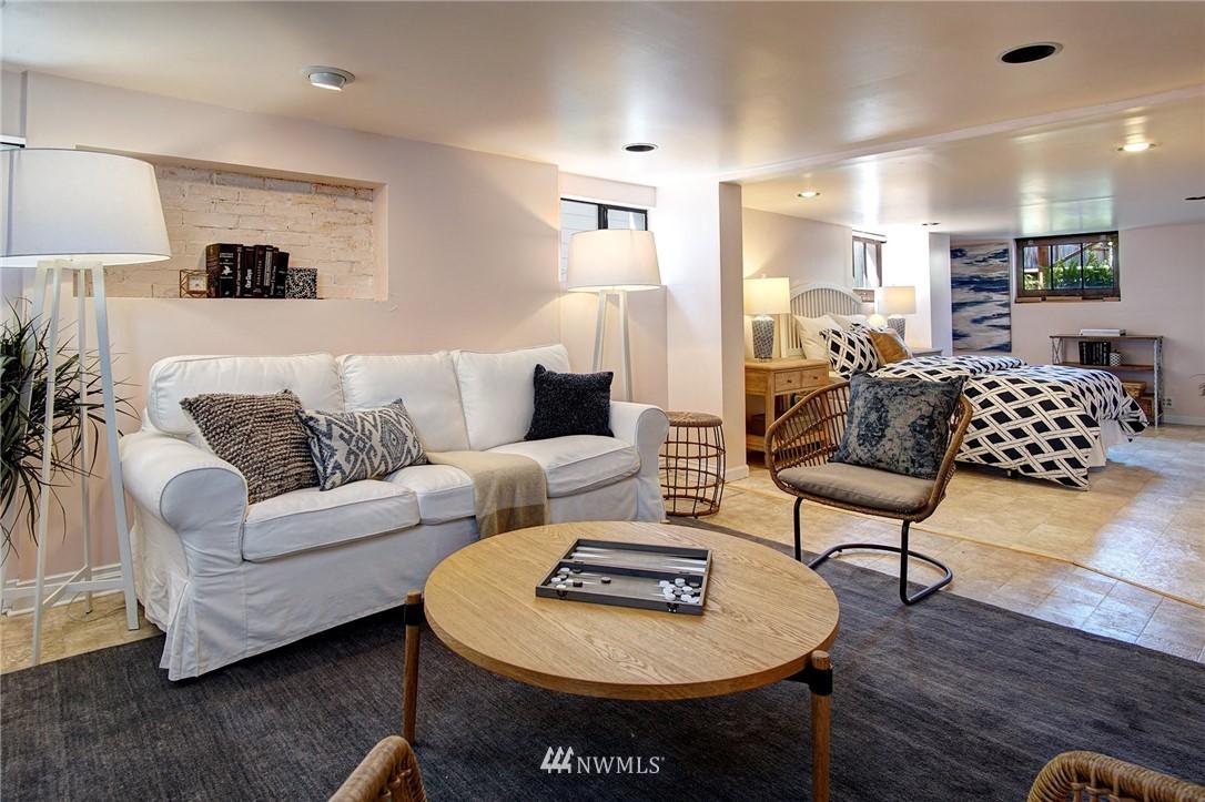 Sold Property | 4017 Midvale Avenue N Seattle, WA 98103 13