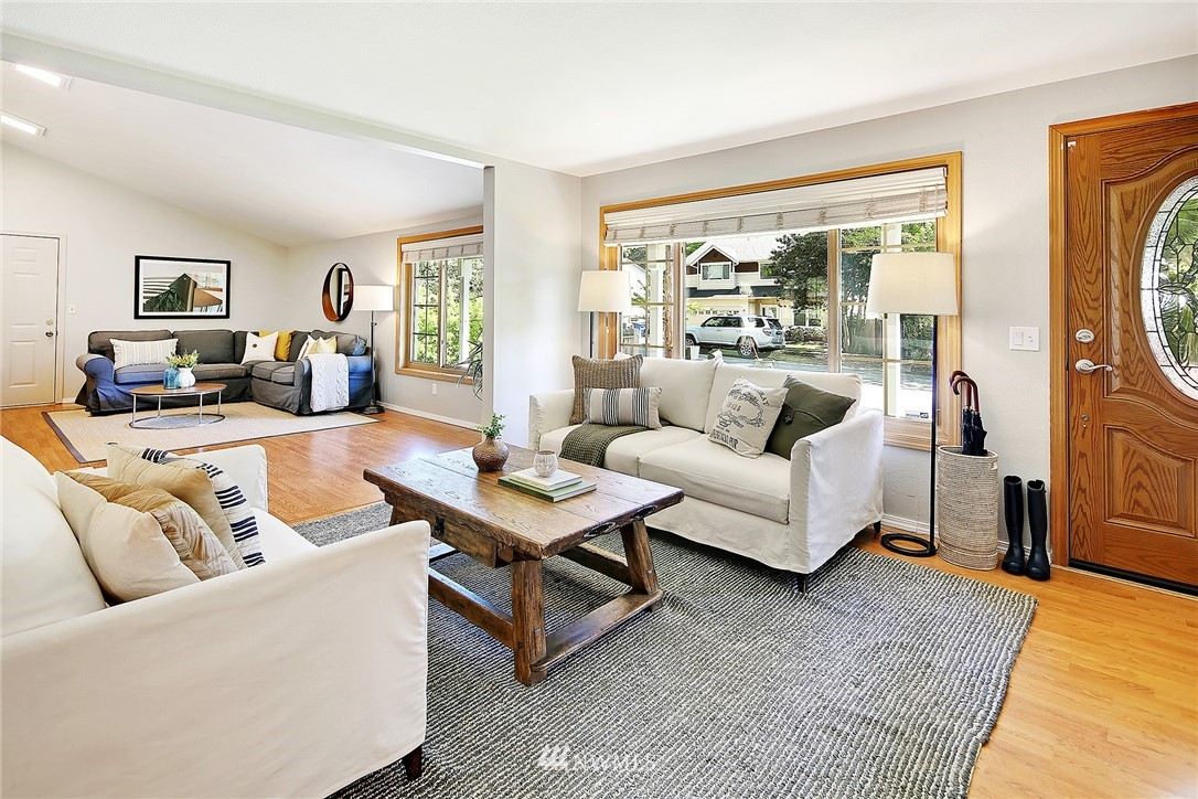 Sold Property | 19505 32nd Avenue NE Lake Forest Park, WA 98155 1