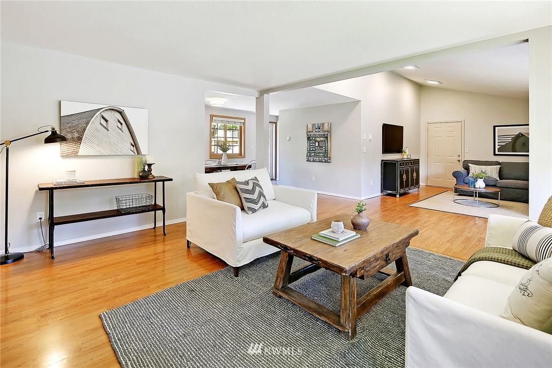 Sold Property | 19505 32nd Avenue NE Lake Forest Park, WA 98155 2