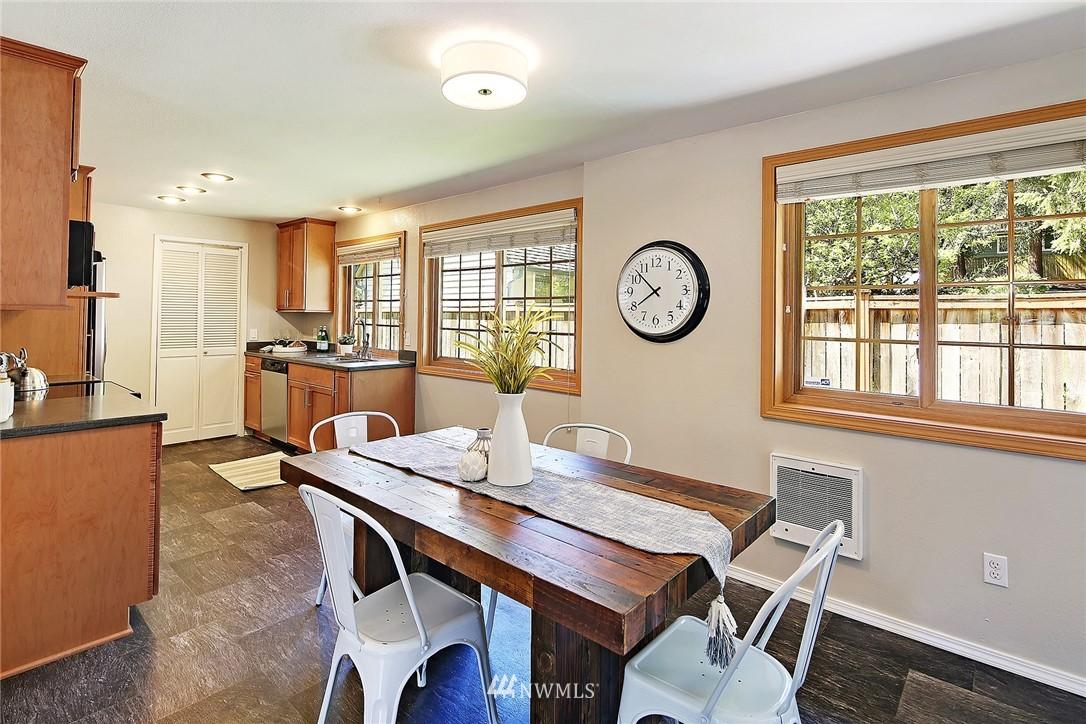 Sold Property | 19505 32nd Avenue NE Lake Forest Park, WA 98155 5