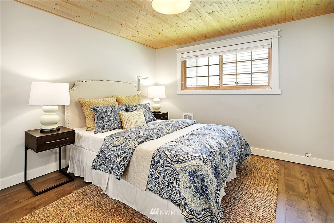 Sold Property | 19505 32nd Avenue NE Lake Forest Park, WA 98155 7