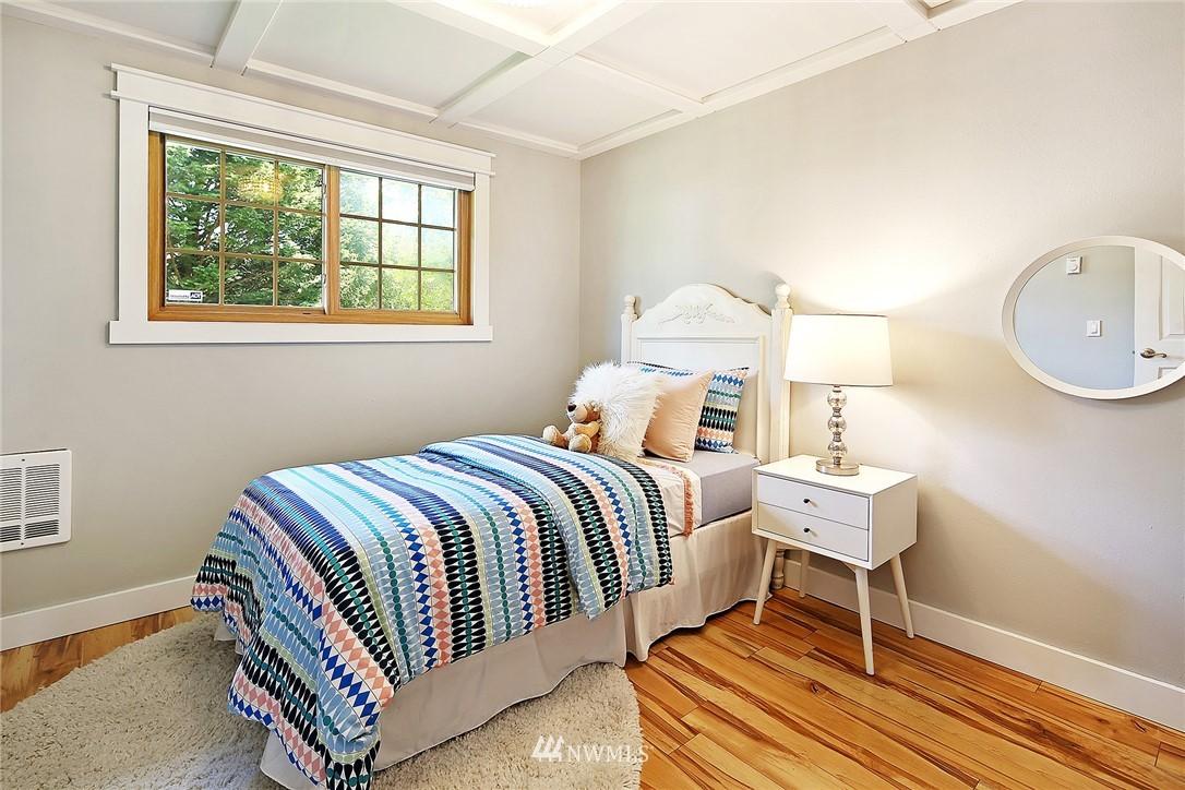 Sold Property | 19505 32nd Avenue NE Lake Forest Park, WA 98155 8