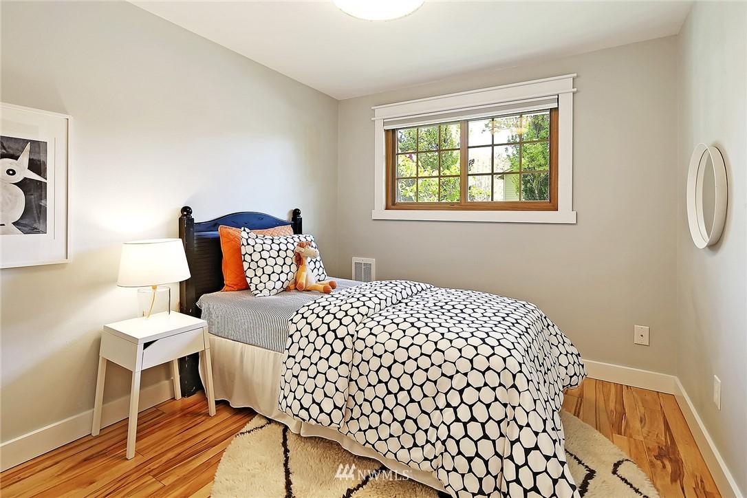 Sold Property | 19505 32nd Avenue NE Lake Forest Park, WA 98155 9