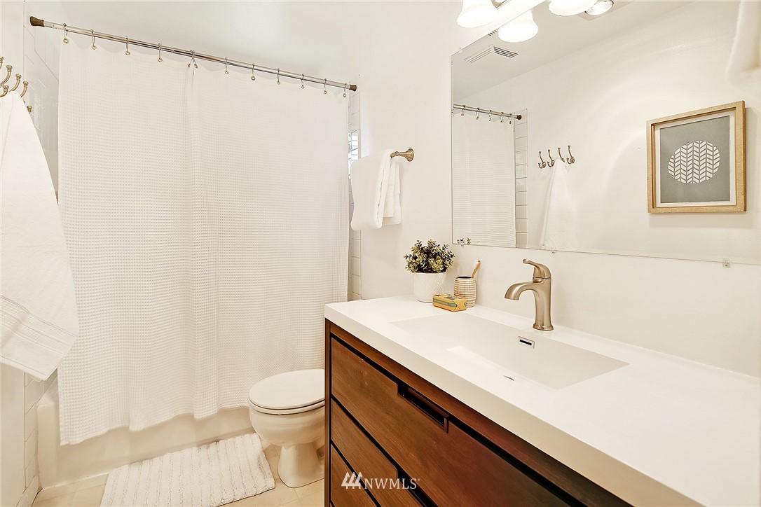 Sold Property | 19505 32nd Avenue NE Lake Forest Park, WA 98155 10