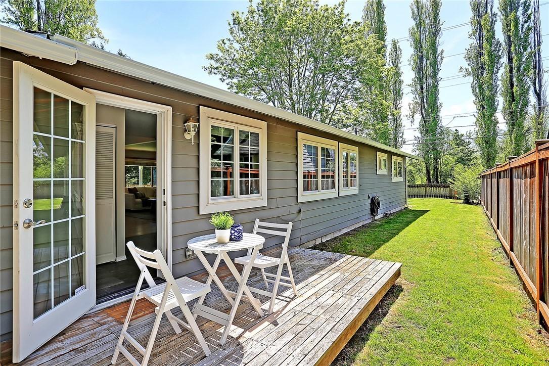 Sold Property | 19505 32nd Avenue NE Lake Forest Park, WA 98155 15