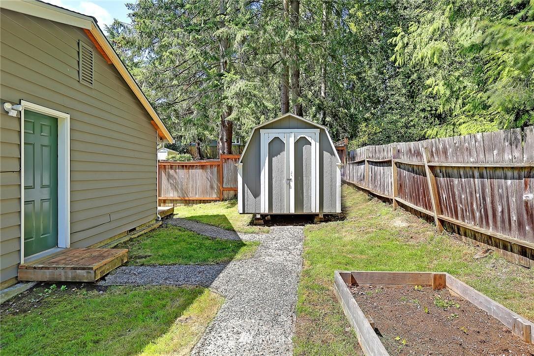 Sold Property | 19505 32nd Avenue NE Lake Forest Park, WA 98155 16