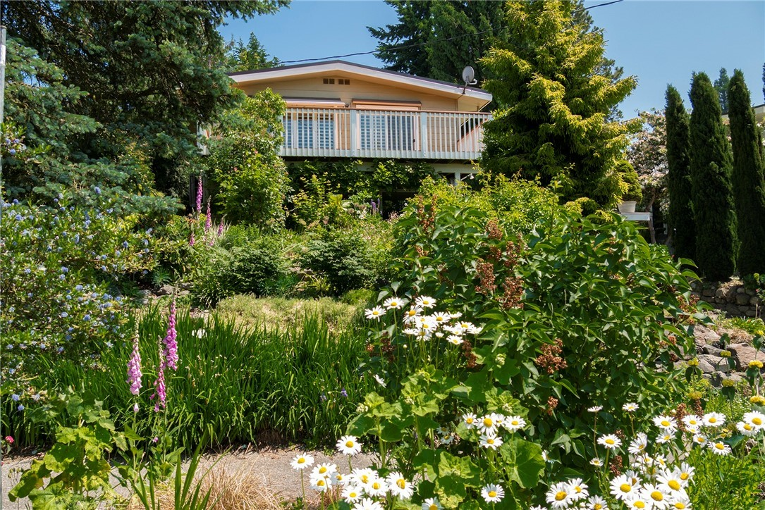 Sold Property | 8560 2nd Avenue NE Seattle, WA 98115 0