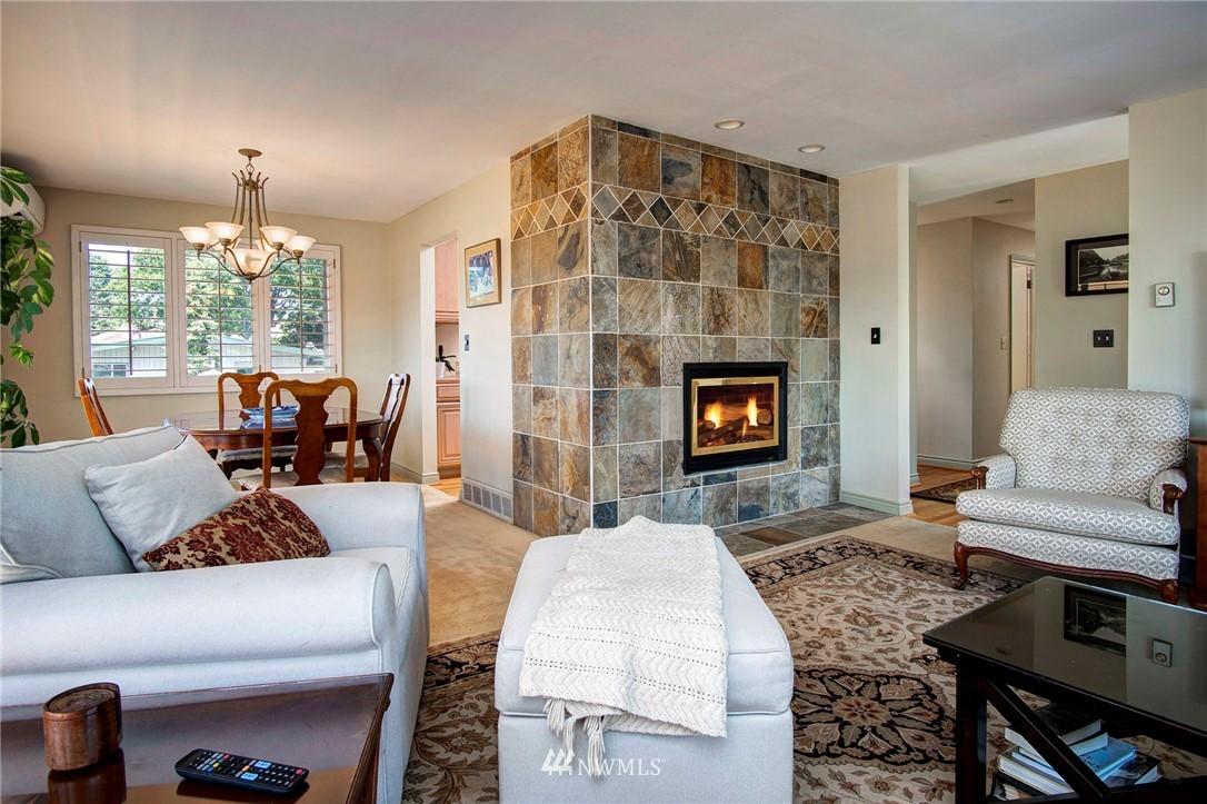 Sold Property | 8560 2nd Avenue NE Seattle, WA 98115 2
