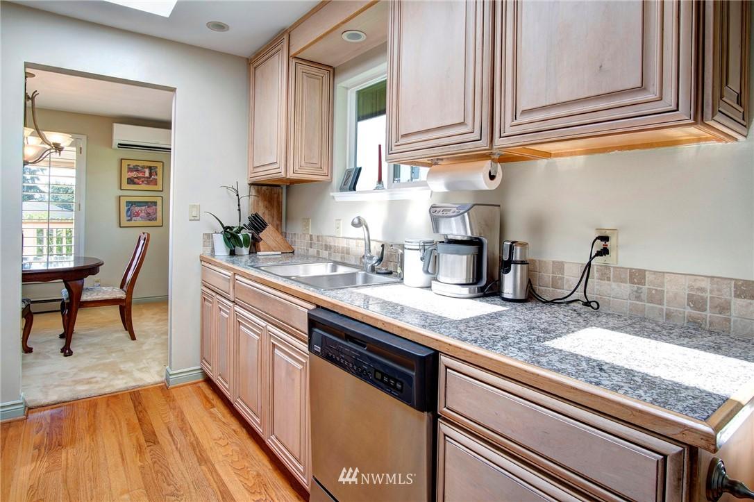 Sold Property | 8560 2nd Avenue NE Seattle, WA 98115 7