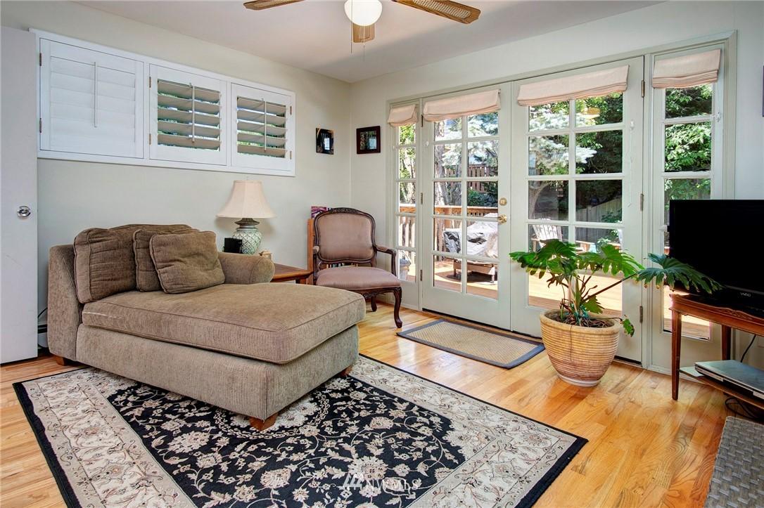 Sold Property | 8560 2nd Avenue NE Seattle, WA 98115 12