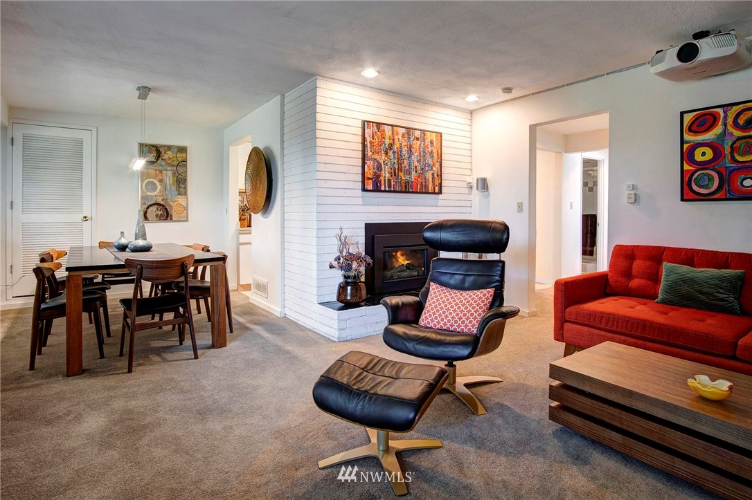 Sold Property | 8560 2nd Avenue NE Seattle, WA 98115 14