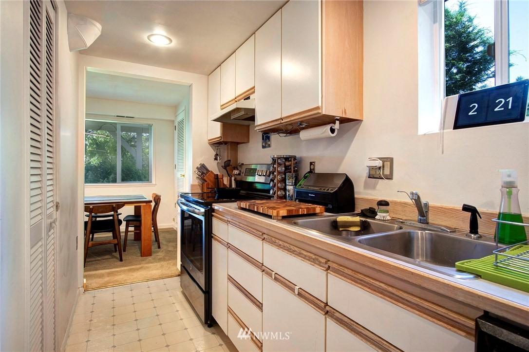 Sold Property | 8560 2nd Avenue NE Seattle, WA 98115 15