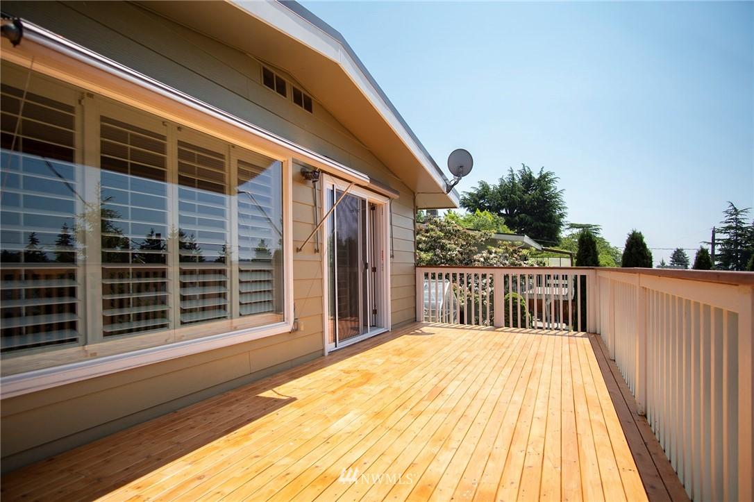 Sold Property | 8560 2nd Avenue NE Seattle, WA 98115 17