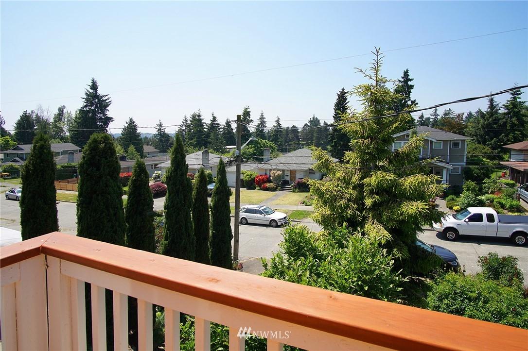 Sold Property | 8560 2nd Avenue NE Seattle, WA 98115 20