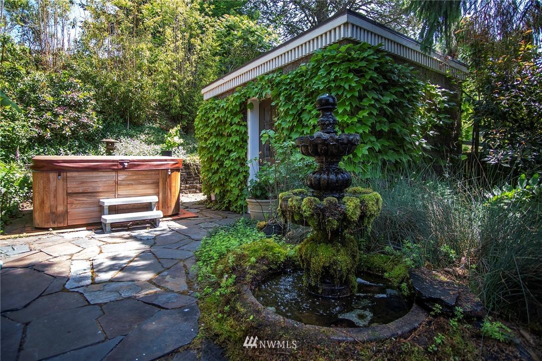 Sold Property | 8560 2nd Avenue NE Seattle, WA 98115 21