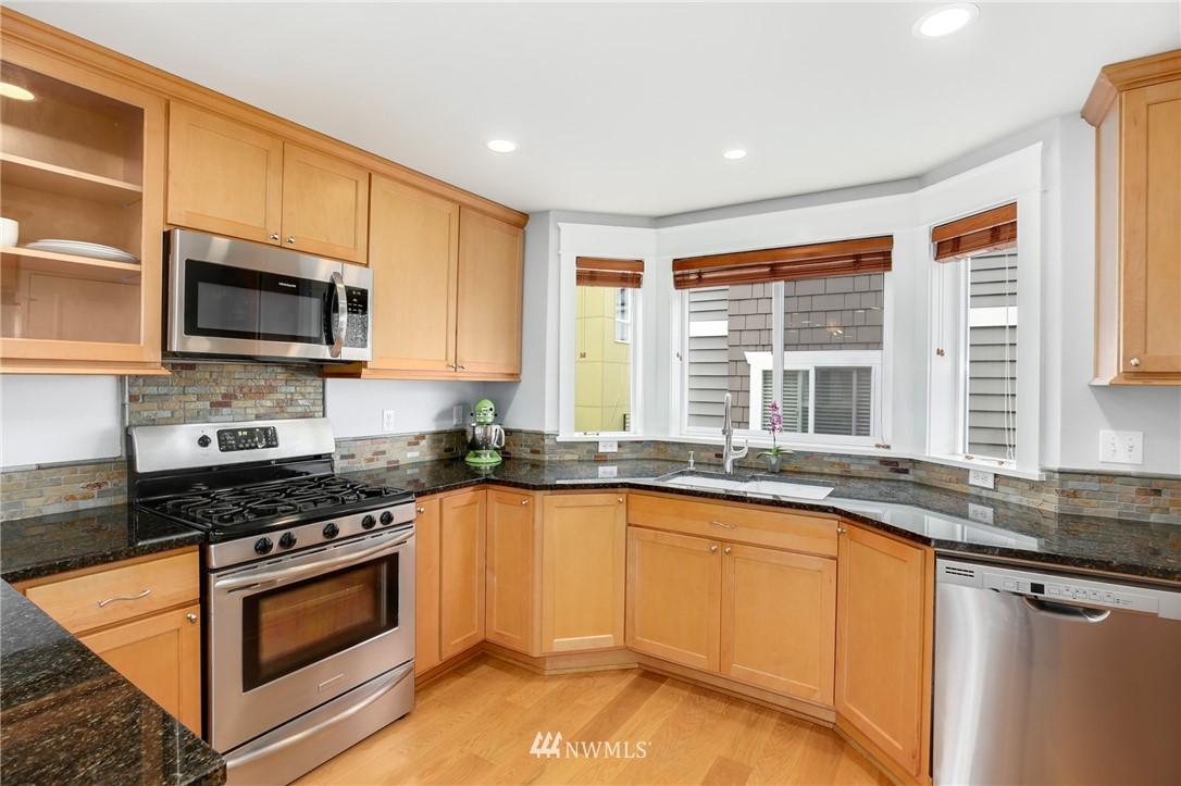 Sold Property | 117 17th Avenue #A Seattle, WA 98122 4