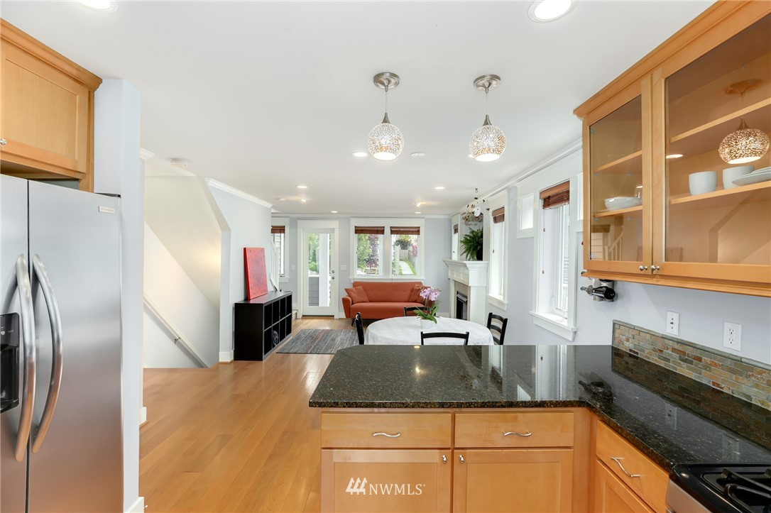 Sold Property | 117 17th Avenue #A Seattle, WA 98122 5