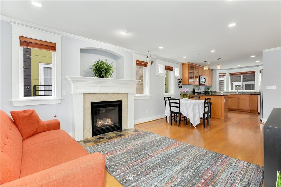 Sold Property | 117 17th Avenue #A Seattle, WA 98122 7
