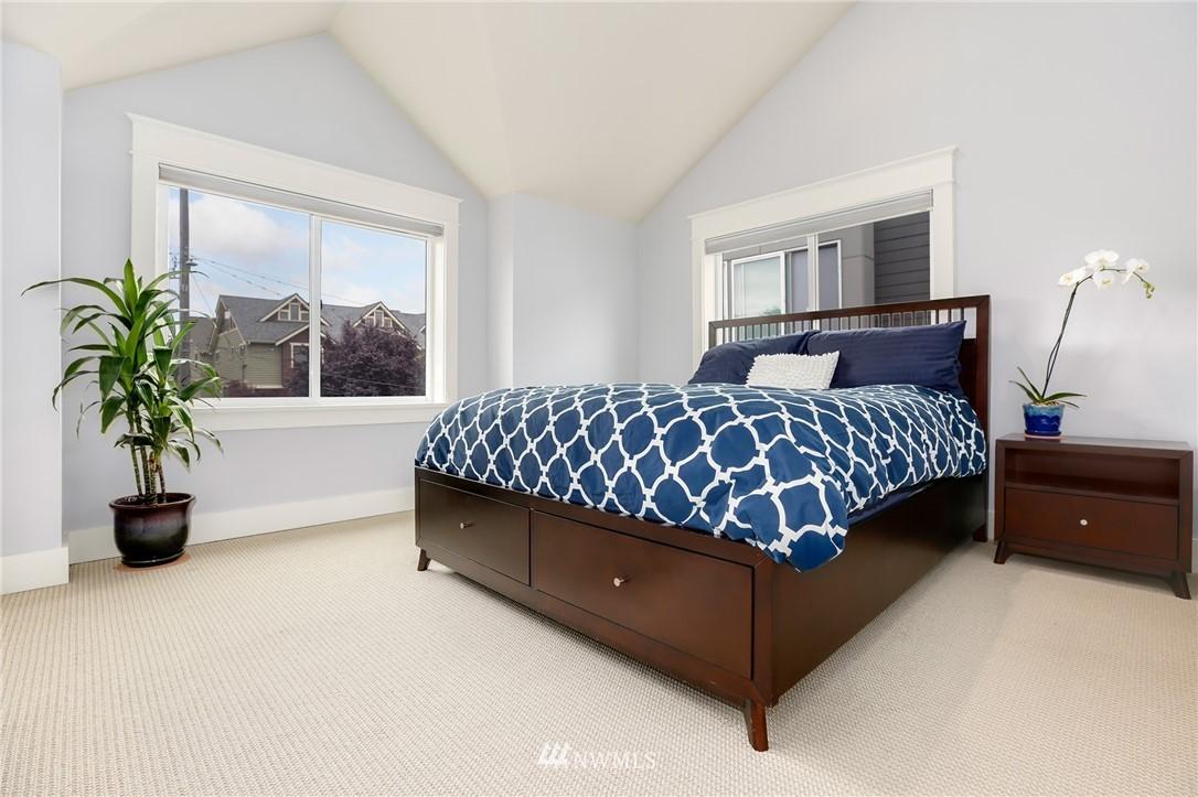 Sold Property | 117 17th Avenue #A Seattle, WA 98122 10
