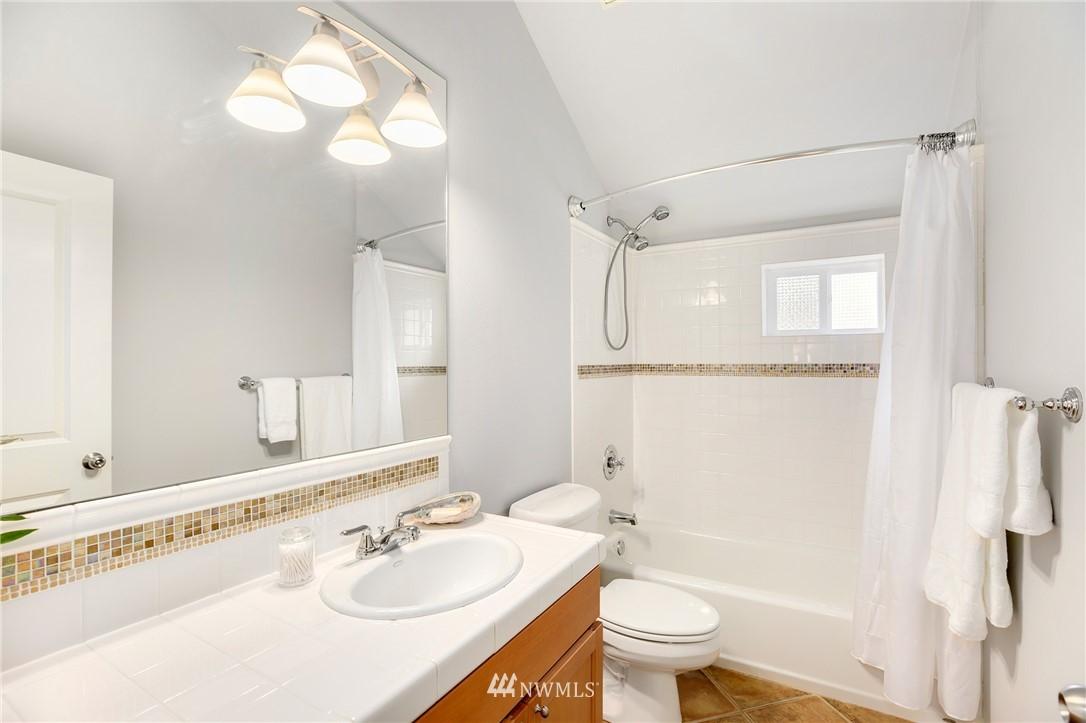 Sold Property | 117 17th Avenue #A Seattle, WA 98122 15